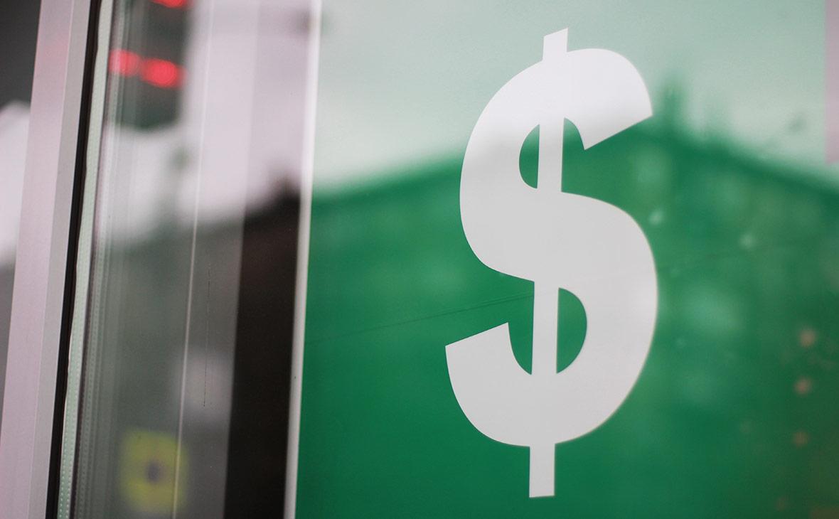 Аналитики допустили укрепление рубля до 52,5 руб. за доллар