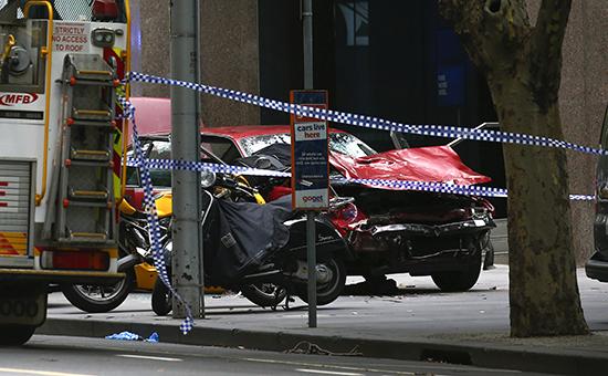 В Австралии водитель намеренно въехал втолпу пешеходов