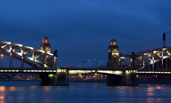 Петербург за пять минут: ополчение «Яндекса» и вертолетная медицина