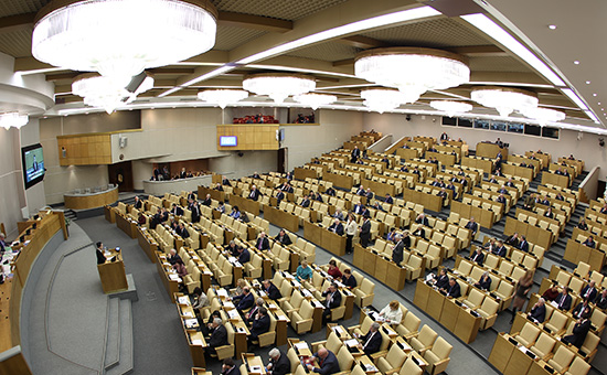 Госдума поддержала законопроект о«крепостном праве» дляодномандатников