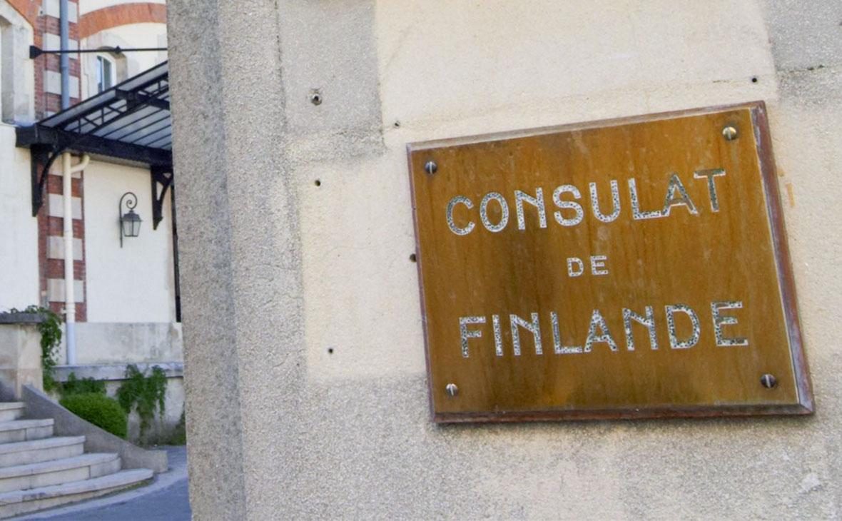 Финляндия отзовет консула из Барселоны из-за «ненадлежащего поведения»