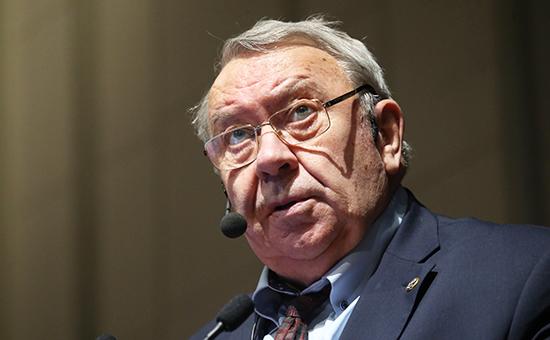 Фортов остался главой РАН доноября