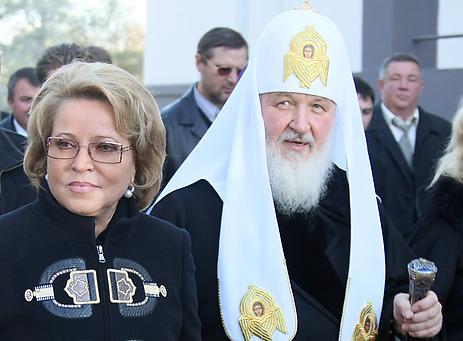 Патриарх Кирилл иВалентина Матвиенко стали «почетными» петербуржцами