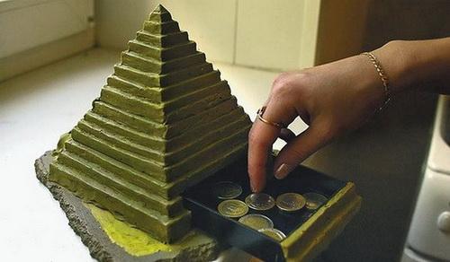 ЦБ создает в регионах спецслужбы для борьбы с финансовыми пирамидами