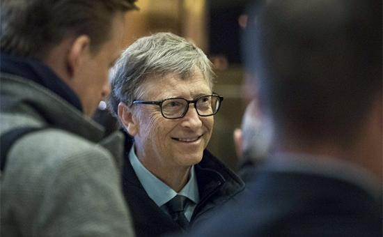 Капиталы восьми богатейших людей мира и50% человечества сравнялись