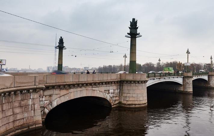 Несколько мостов и набережных в центре Петербурга уходят на ремонт