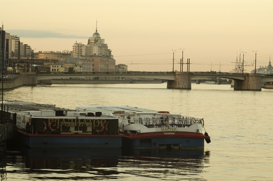 Петербург за пять минут: досмотры в метро и дорожные заторы