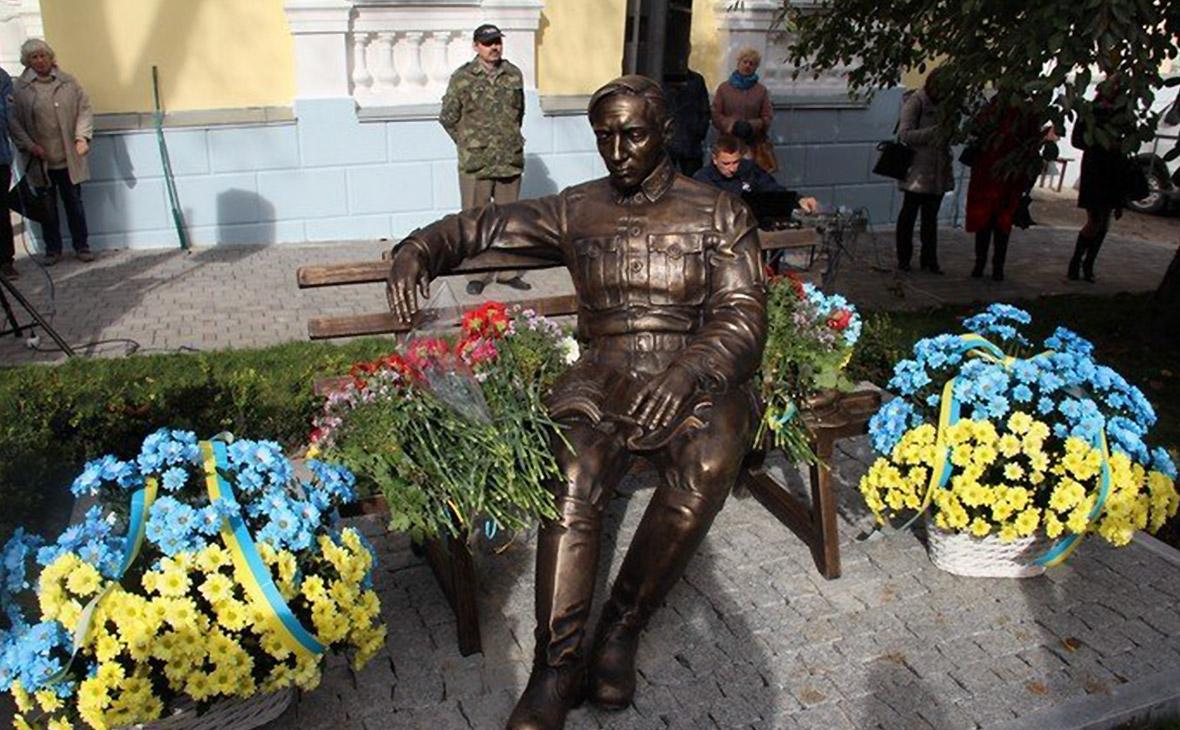 Всемирный еврейский конгресс призвал снести памятник Петлюре в Виннице
