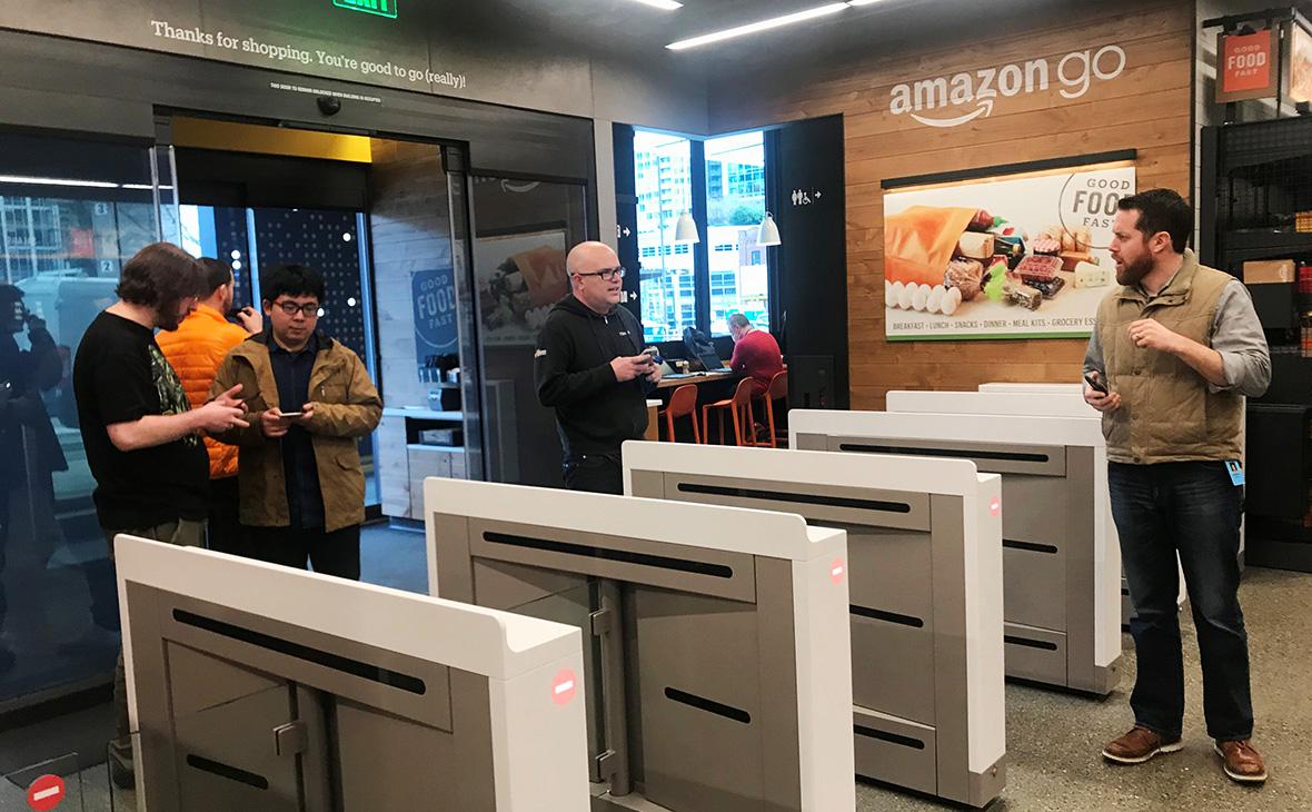 Amazon открыл первый супермаркет без касс и продавцов