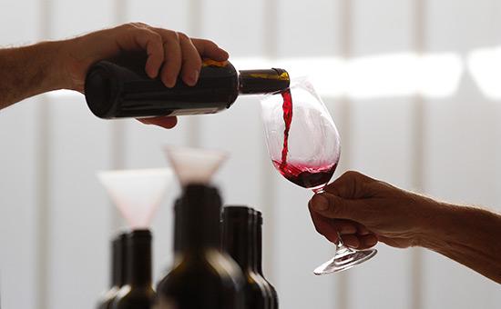 Минпромторг предложил продавать алкоголь поводительским правам