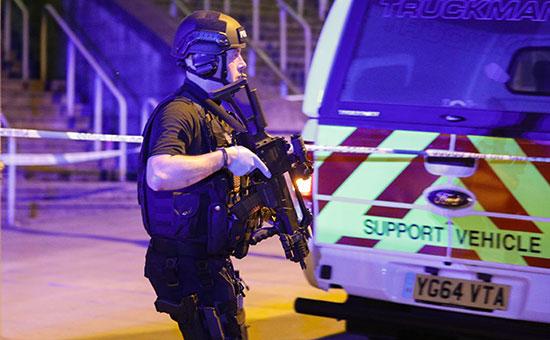 СМИ сообщили о возможных взрывах на стадионе в Манчестере