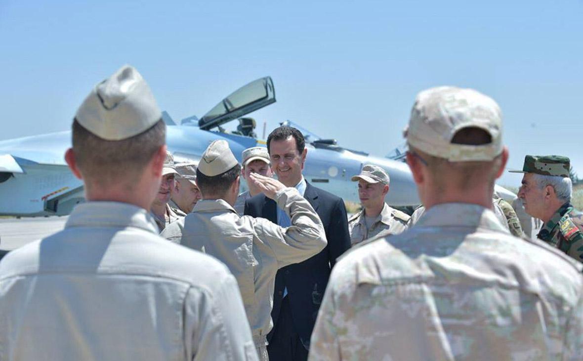 Башар Асад посетил российскую авиабазу Хмеймим