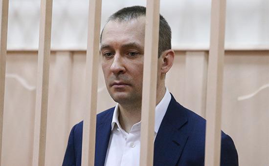 Шурина полковника Захарченко объявили врозыск