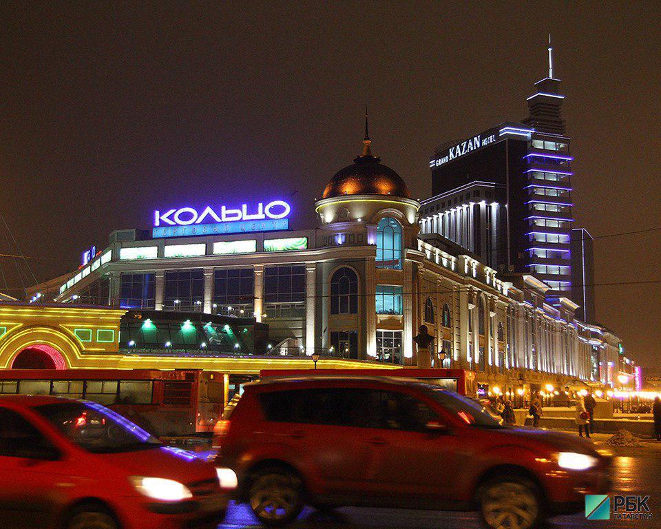 Платные парковки выжили ритейл из исторического центра Казани