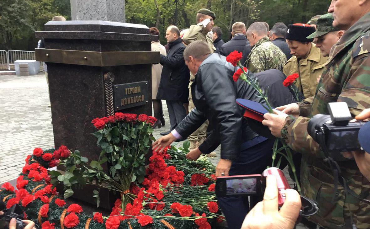 В Кремле прокомментировали открытие Сурковым памятника героям Донбасса