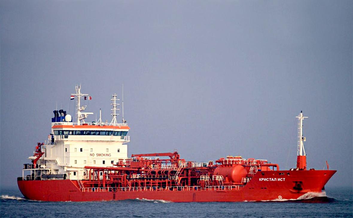 Российские моряки с арестованного в ОАЭ судна попросили помощи