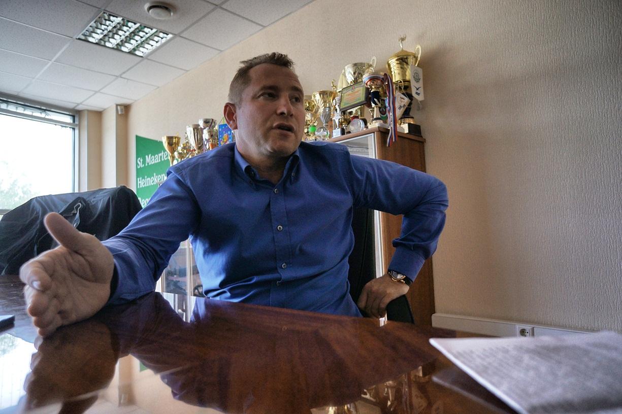 Вячеслав Брозовский откроет свою сеть на месте магазинов «СуперСтрой»
