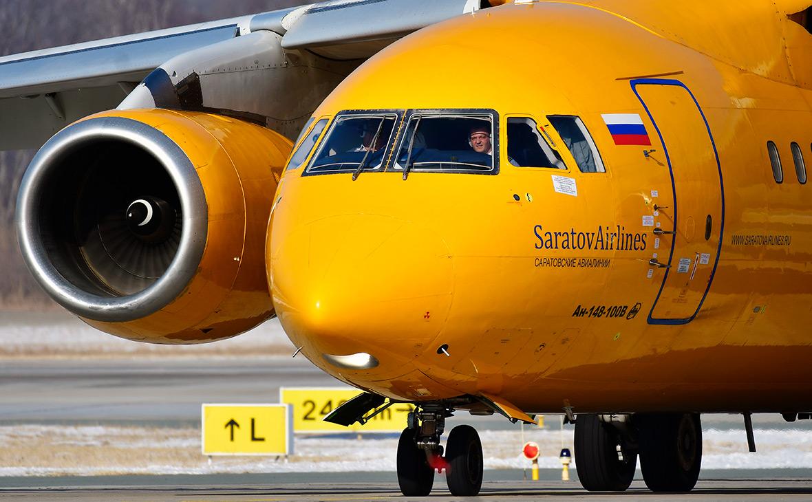 Лайнер «Саратовских авиалиний» столкнулся с буксировщиком в Домодедово