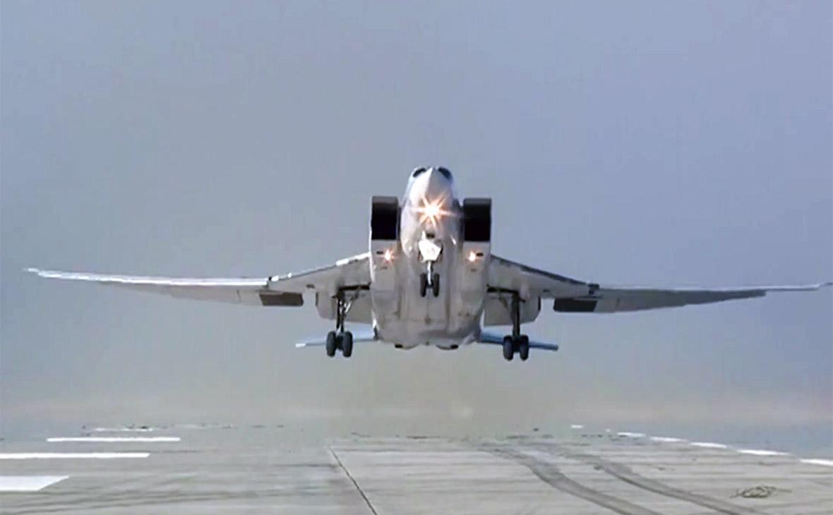 Бомбардировщики Ту-22М3 ударили по объектам ИГ в Дейр-эз-Зоре