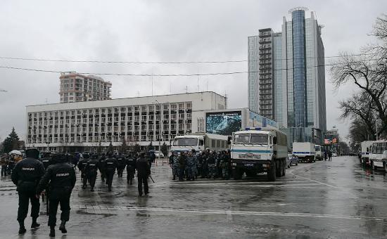В Краснодаре на митинге и шествии оппозиции задержаны около 100 человек