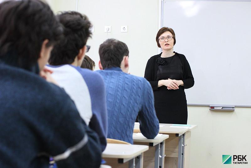 Минобрнауки РТ начал обучать учителей преподаванию родным языкам в школах