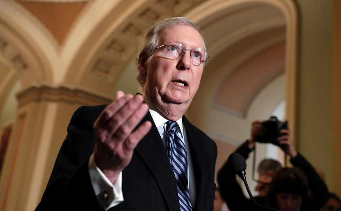 Лидер республиканцев в сенате раскритиковал Трампа за звонок Путину