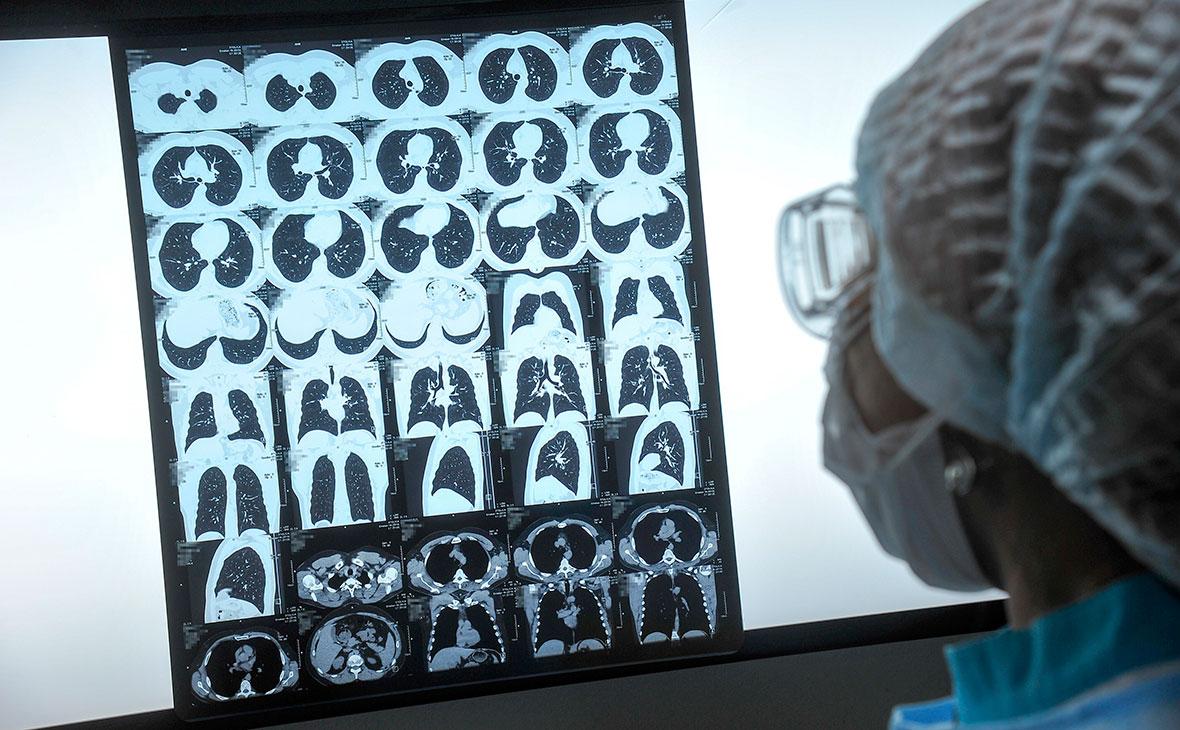 В городской больнице в Новосибирске коронавирус выявили у 40 сотрудников