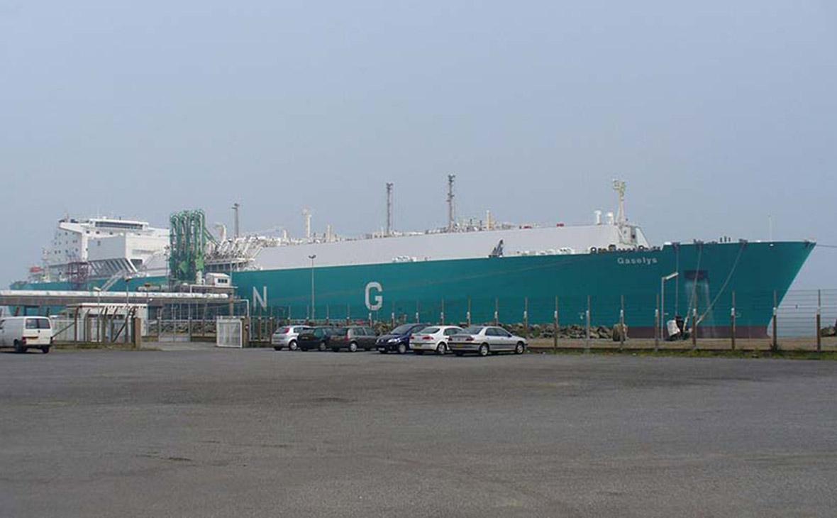 Судовладелец назвал причину разворота танкера с российским газом для США
