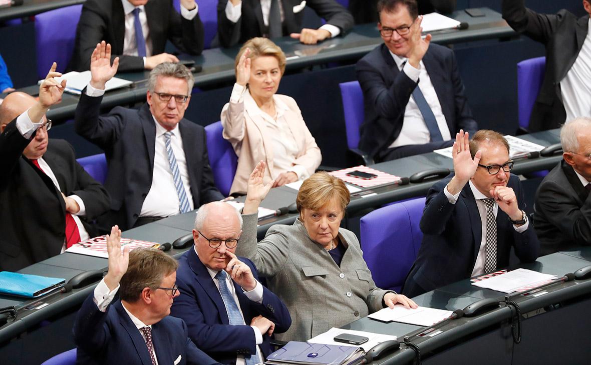 Партии ФРГ просрочили собственный дедлайн на создание правящей коалиции