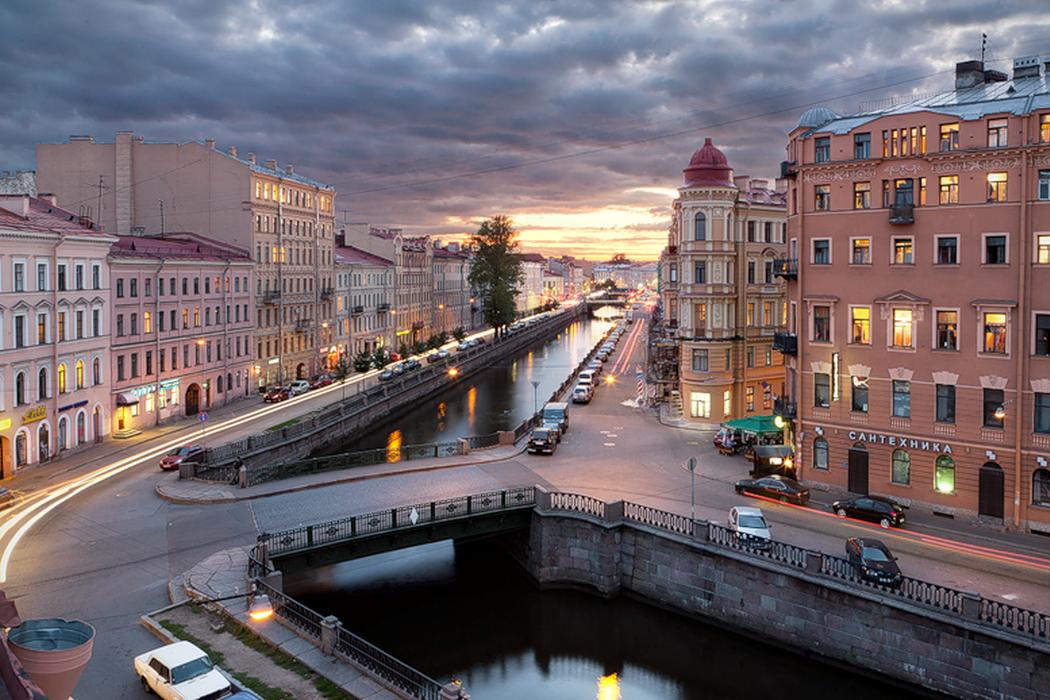 Петербург за пять минут: дорожное строительство и шанс на демократию