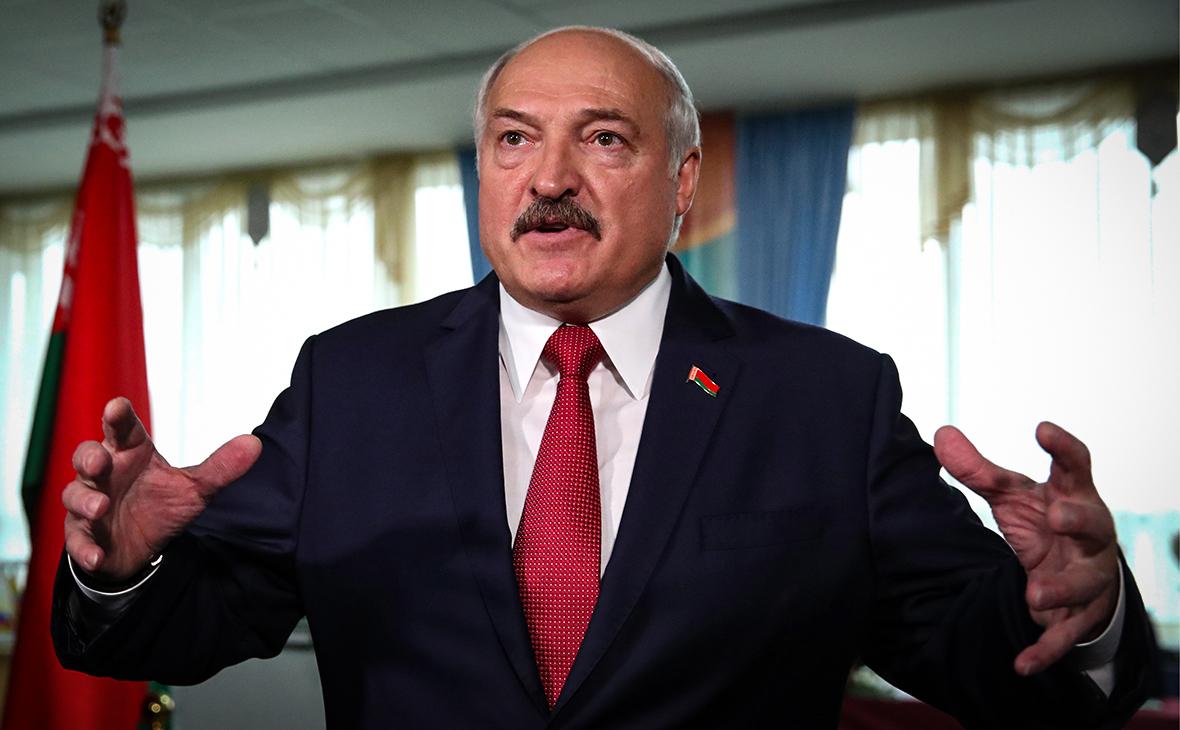 Лукашенко заявил о «жулье» в банках и поручил им шефство над колхозами