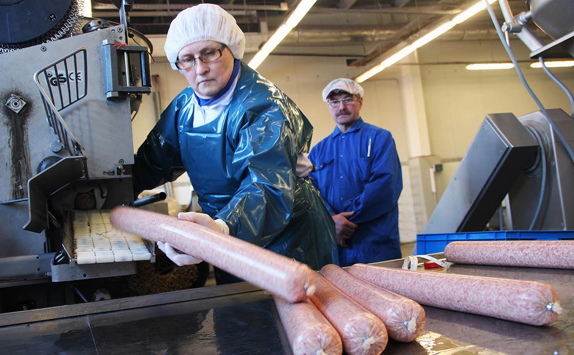 Производители мясных изделий попросили правительство помочь повысить цены
