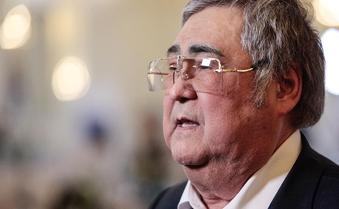 Губернатор Кемеровской области Тулеев снова продлил свой отпуск