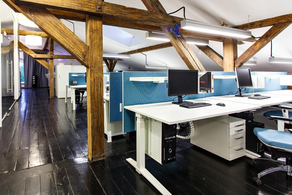 Офис на мансарде дизайн