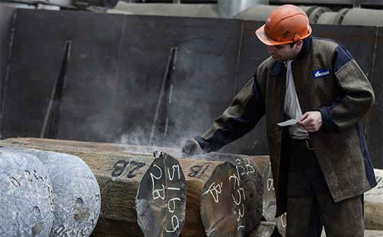 Российская промышленность возобновила спад