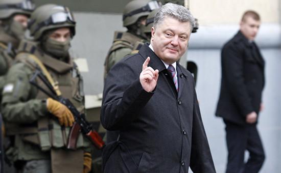 Порошенко назвал события в Киеве в годовщину Майдана провокацией Кремля