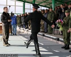 Д. Медведев: Россия - не банановая республика, армию мы обеспечим
