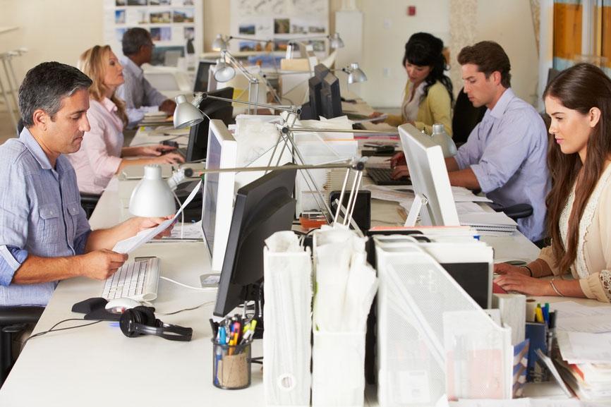 Медсотрудники: Люди должны работать не неменее 39 часов внеделю