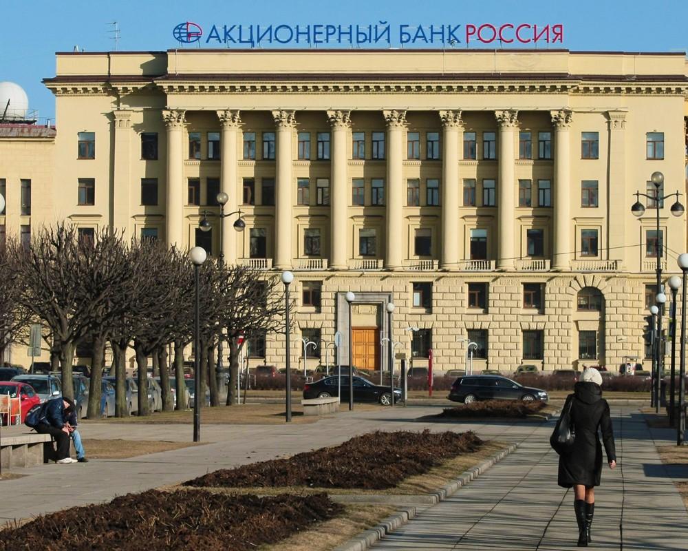 rossiyskie-pevitsi-foto-golie