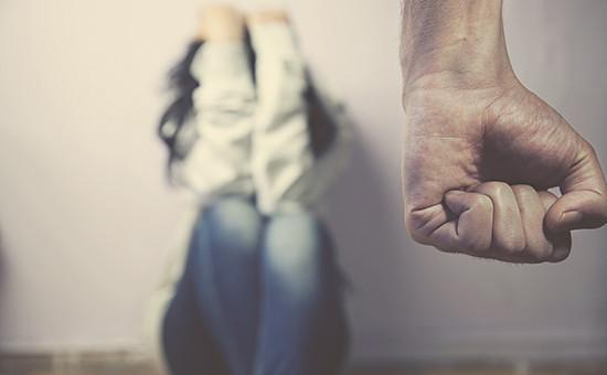 Госдума начнет весеннюю сессию с декриминализации побоев в семье