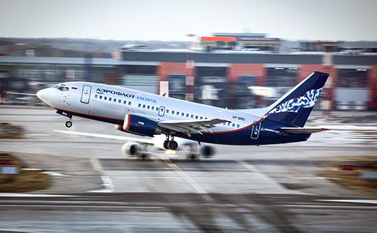 «Боинг» назвала абсурдным отзыв в России сертификата у Boeing 737