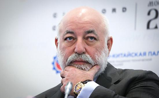 СМИ сообщили опереводе активов Вексельберга изофшоров вРоссию