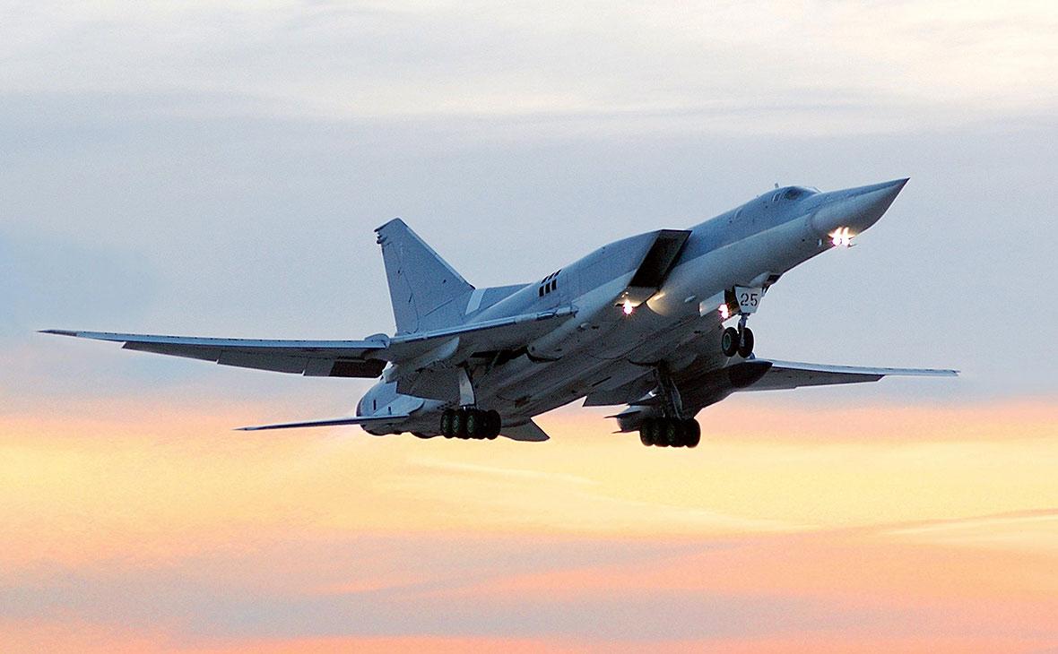 На авиабазе под Калугой за пределы полосы выкатился бомбардировщик Ту-22