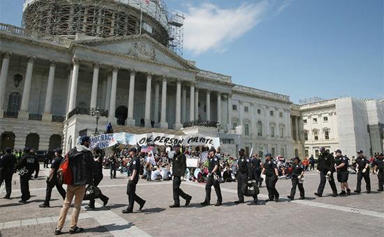 В Вашингтоне задержали более 400 участников протеста против коррупции