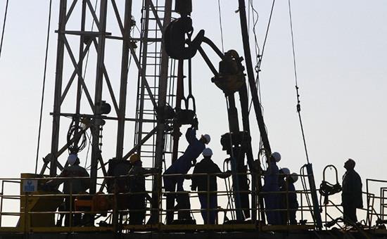 В МЭА предсказали крупнейшее падение добычи нефти внеОПЕК за25 лет