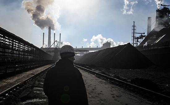 Российская промышленность продолжила падение четвертый месяц подряд