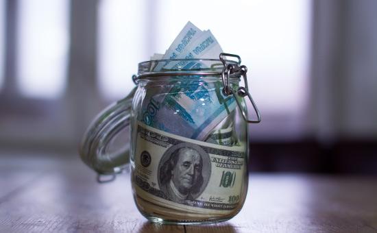Количество россиян со сбережениями сократилось на треть