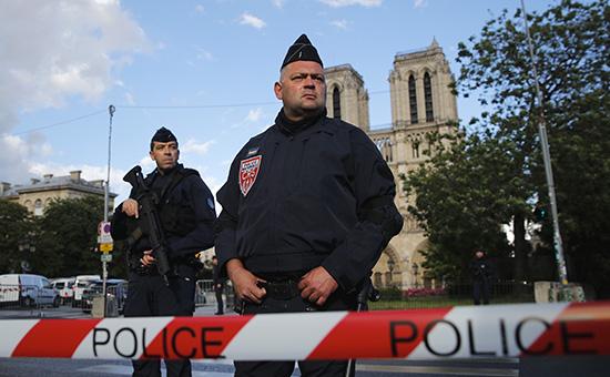 Напавший на полицейских в Париже назвал себя «солдатом халифата» ИГ. Путинской России это выгодно,как говорил Жирик