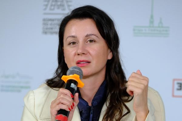 Ольга Лучина, «Филип Моррис Интернэшнл» вРоссии