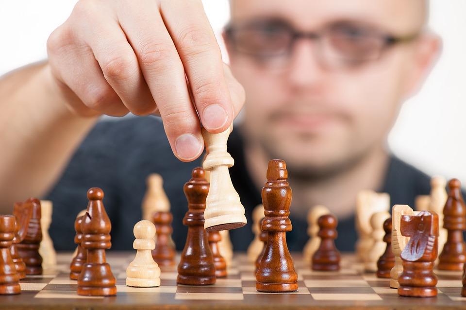 При разработке новой структуры группы компаний надо учесть позицию налогового кодекса исудов, определить деловую цель существования каждого субъекта вгруппе компаний, их взаимосвязи и роли